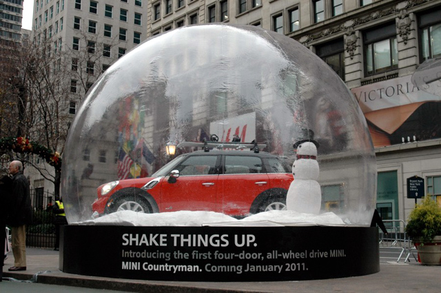 BSSP MINI Countryman snowglobe
