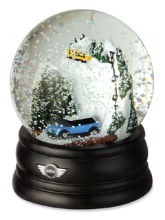 MINI Snowglobe 2004