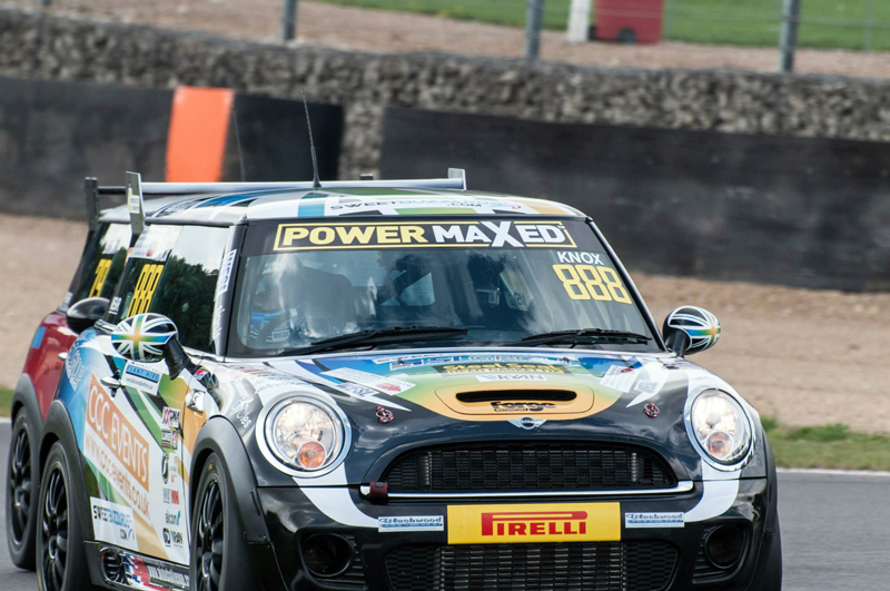 MINI CHALLENGE UK 2014 Chris Knox