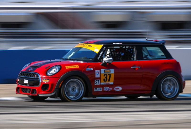 MINI JCW Team MINI No. 37