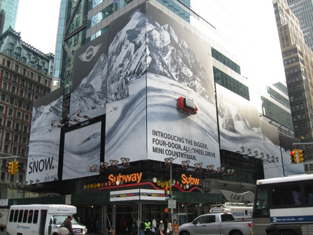 MINI Countryman Billboard in Times Square