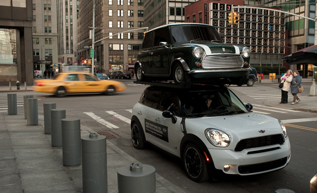 MINI Countryman NYC stunt
