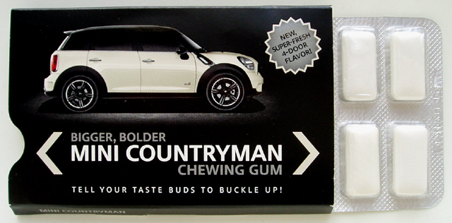 MINI Countryman chewing gum (open)