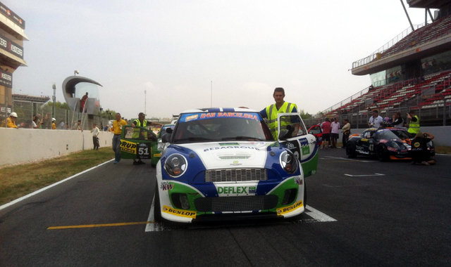 Besaplast MINI No. 42 at the 24 Hours Barcelona